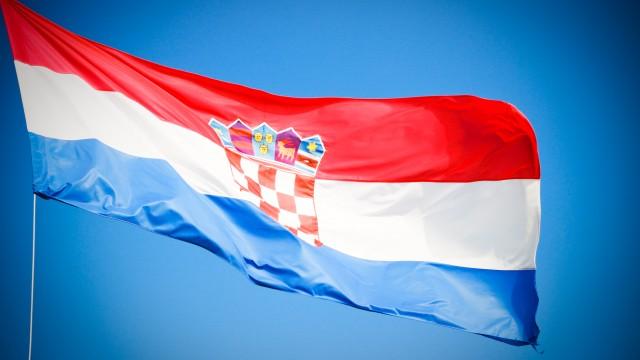 Croatia – sky, cats, windows